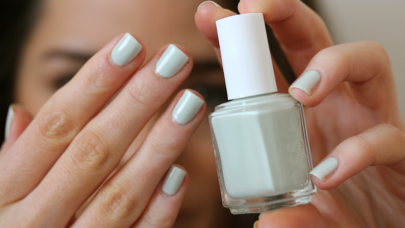 The Weekend Post #15: Essie Absolutely Shore