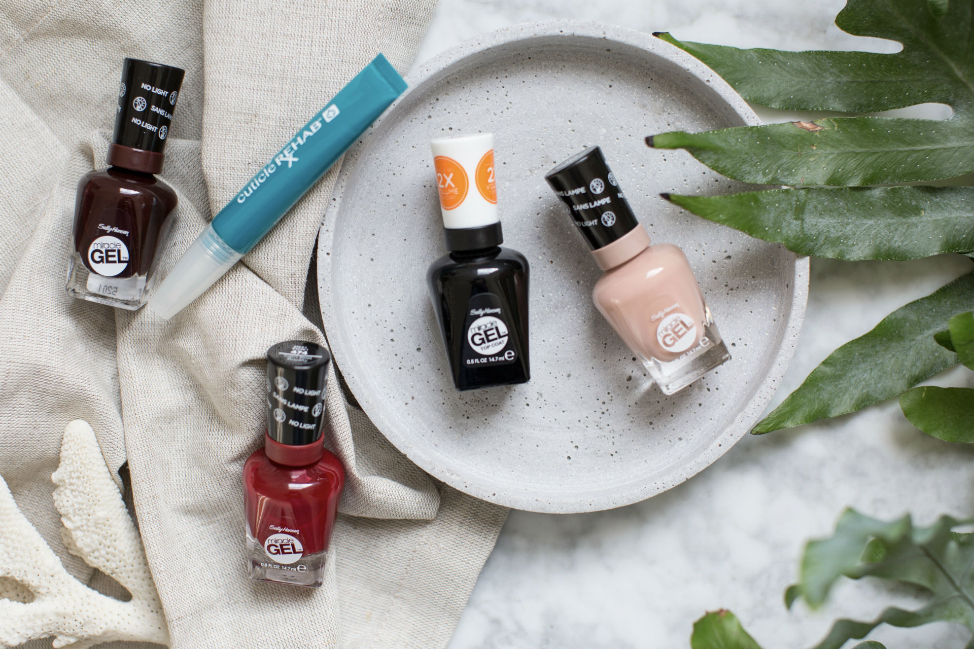 Minimalist Nail Art The Winter Edition Ad The Anna Edit
