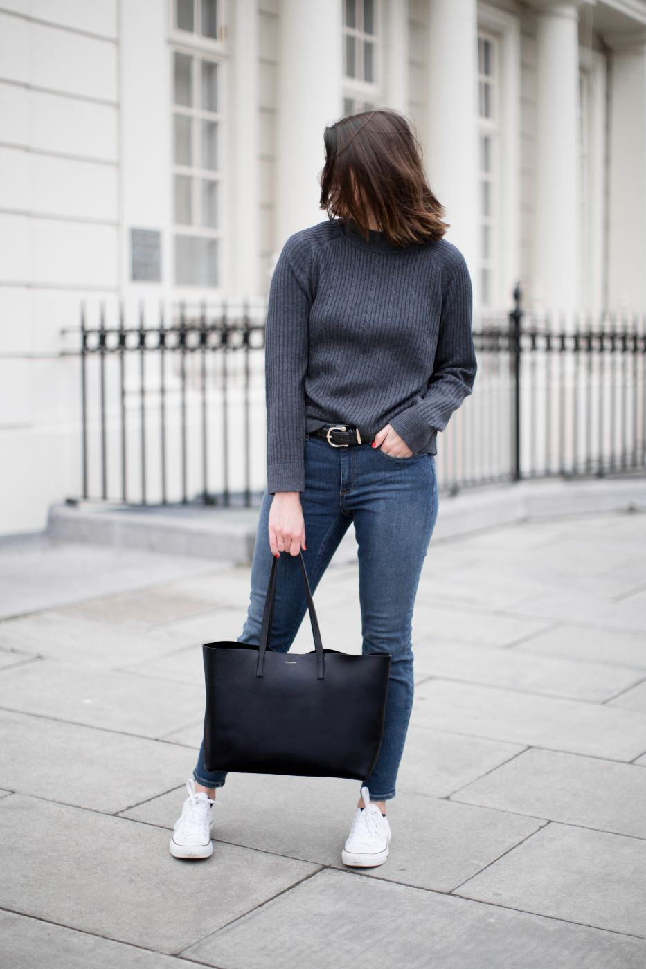 4ad147b08 Saint Laurent Tote Bag Review – The Anna Edit
