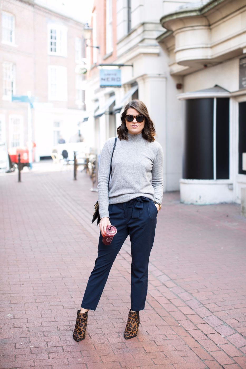theannaedit-3-ways-to-wear-non-denim-trousers-style-fashion-march-2017-5