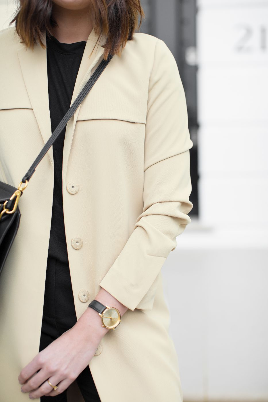 theannaedit-not-shopping-on-asos-andotherstories-yellow-trench-coat-march-2017-7
