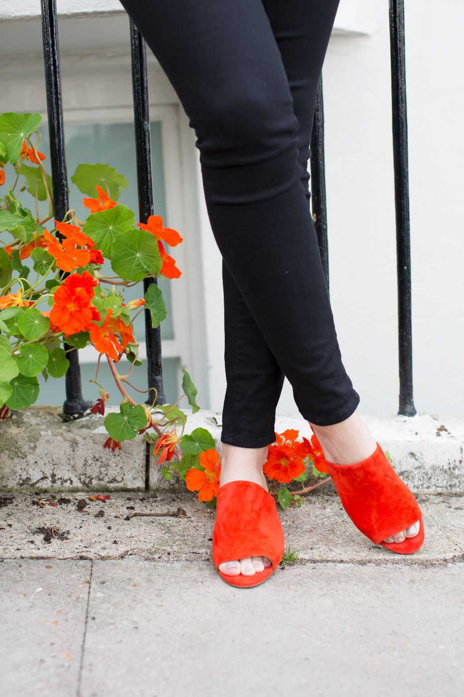 theannaedit-pops-of-red-andotherstories-mules-june-2017-9