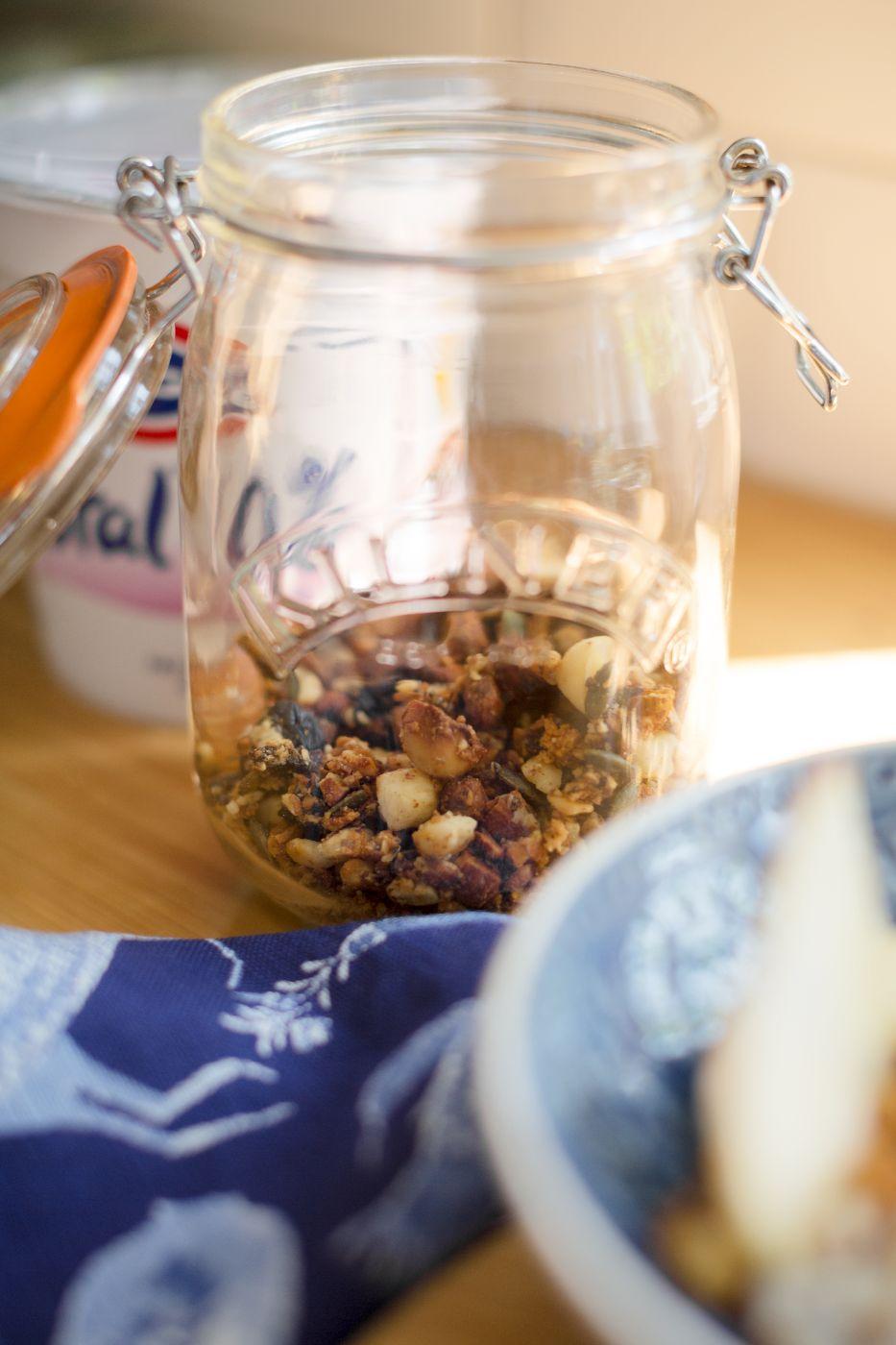 theannaedit-morning-breakfast-granola-recipe-healthy-paleo-august-2017-9