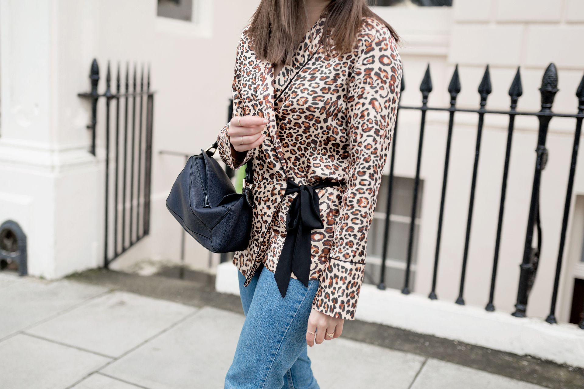 a55c315acad211 If you're new to animal print, then the easiest way to incorporate it into  your wardrobe is with a shirt, especially if you're a button-down and a  denim ...